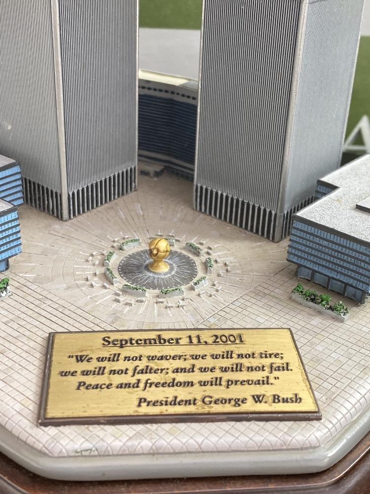 Lot 25 - Danbury Mint September 11, 2001 9/11: Twin Towers Historic Desk Top Diarama
