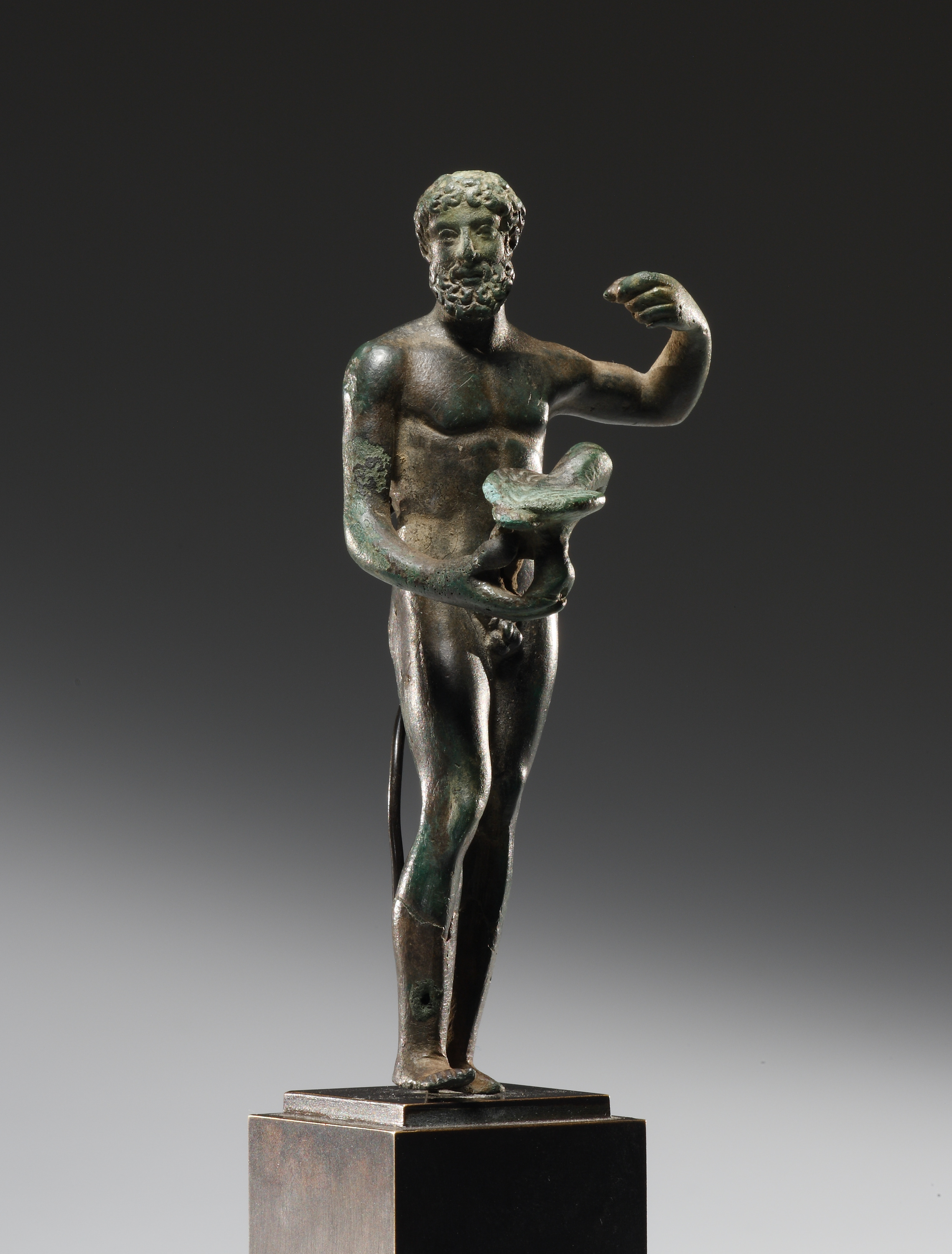 Lot 31 - A Statuette of Jupiter with Eagle