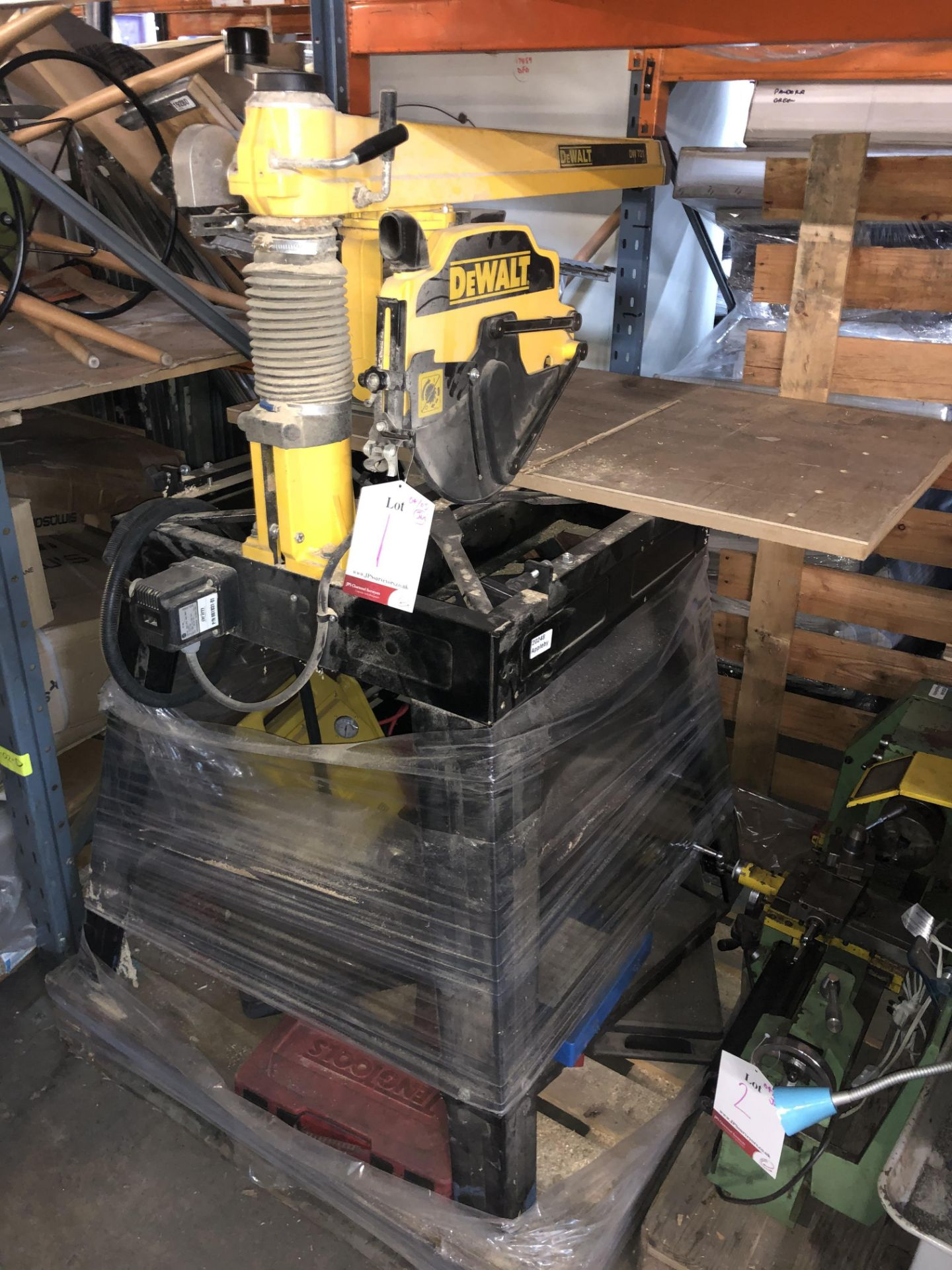 Lot 1 - Dewalt DW721 Radial Arm Saw w/ Stand