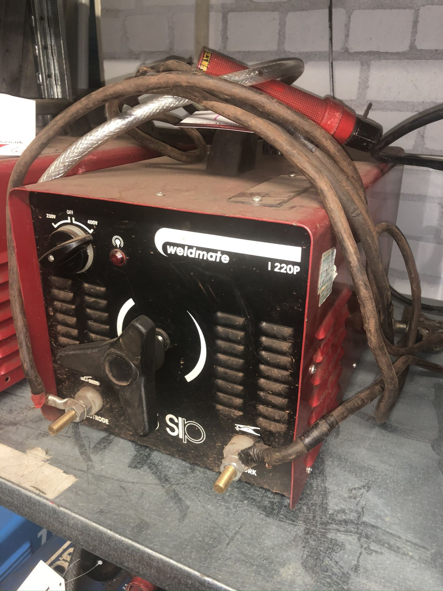 Lot 16 - SIP Weldmate 220p Inverter Welder