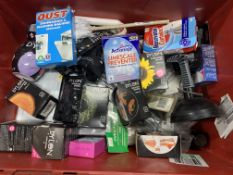 Mixed lot of household goods