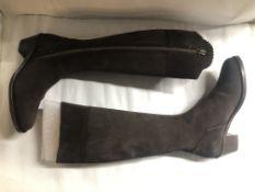 Fairfax And Favor Suede Heeled Regina Boots. EU 40 RRP £345.00