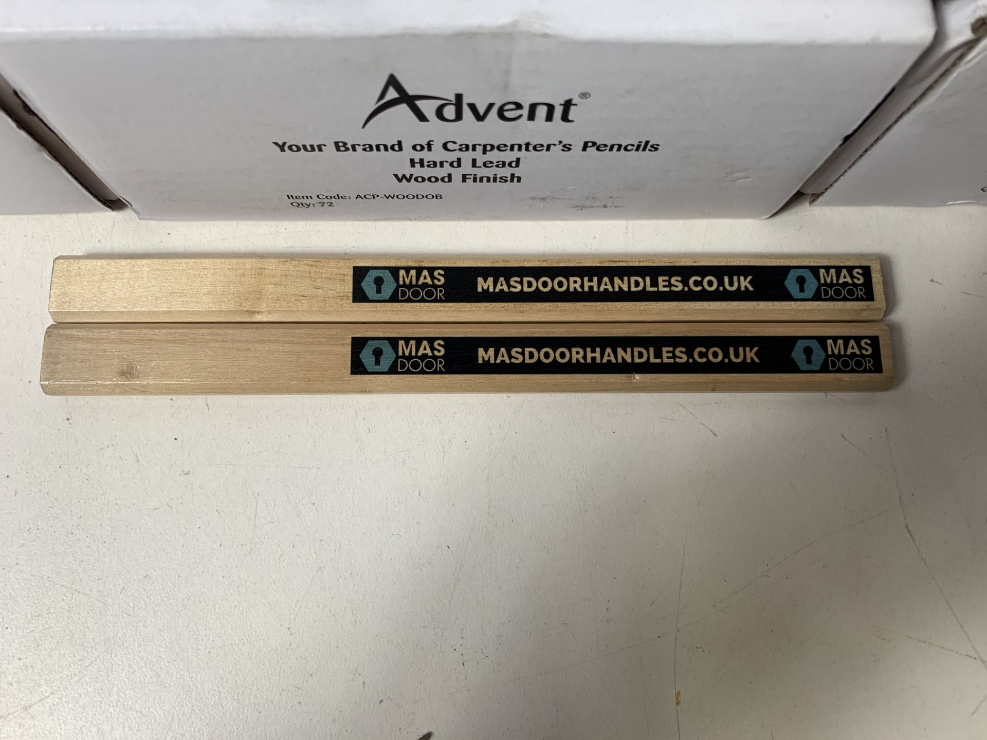 5 x Boxes of 72 Advent 'Mas Door' Carpenter's Pencils - Image 3 of 3