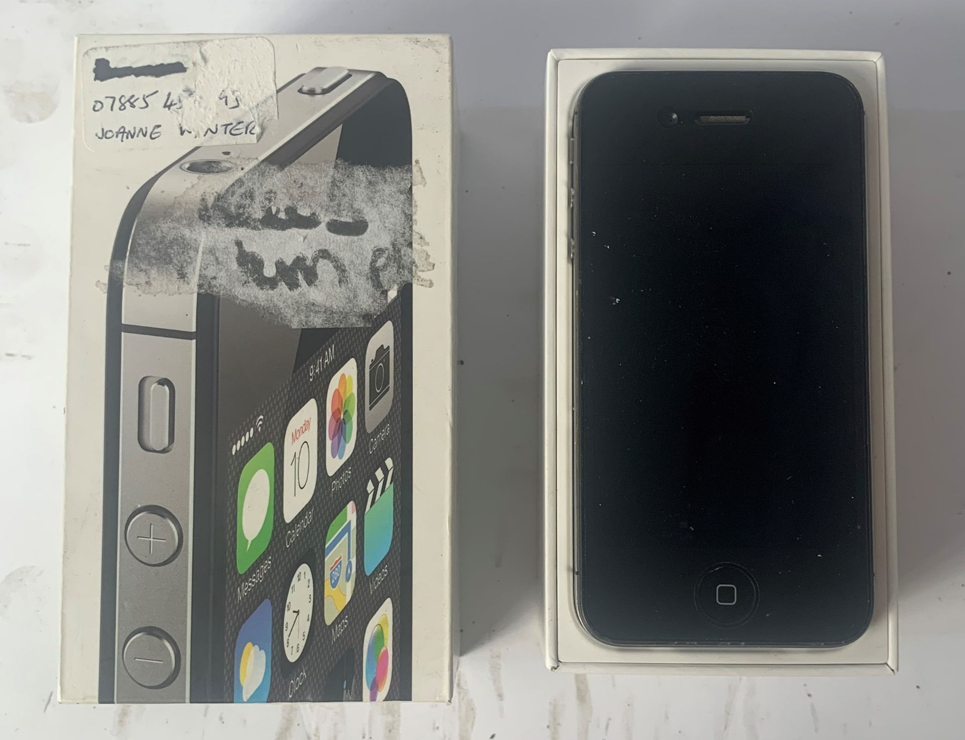 Lot 52 - Apple A1387 Iphone 4S Mobile Phone
