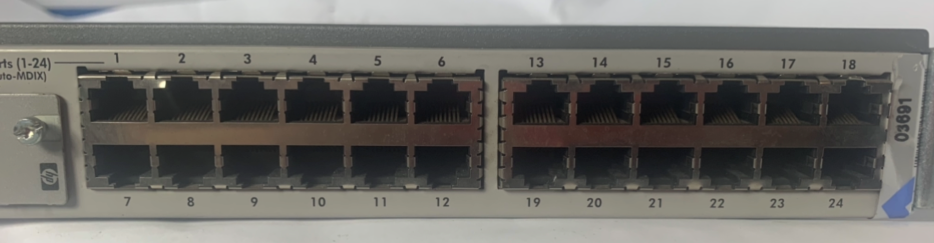 Lot 50 - HP J4818A Pro 24 Port Switch