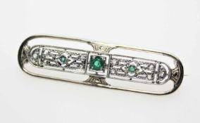 Kleine, ältere Nadel ca. 333/f Art Deco, mit drei runden, grünen Steinen (vermutlich Glas) und
