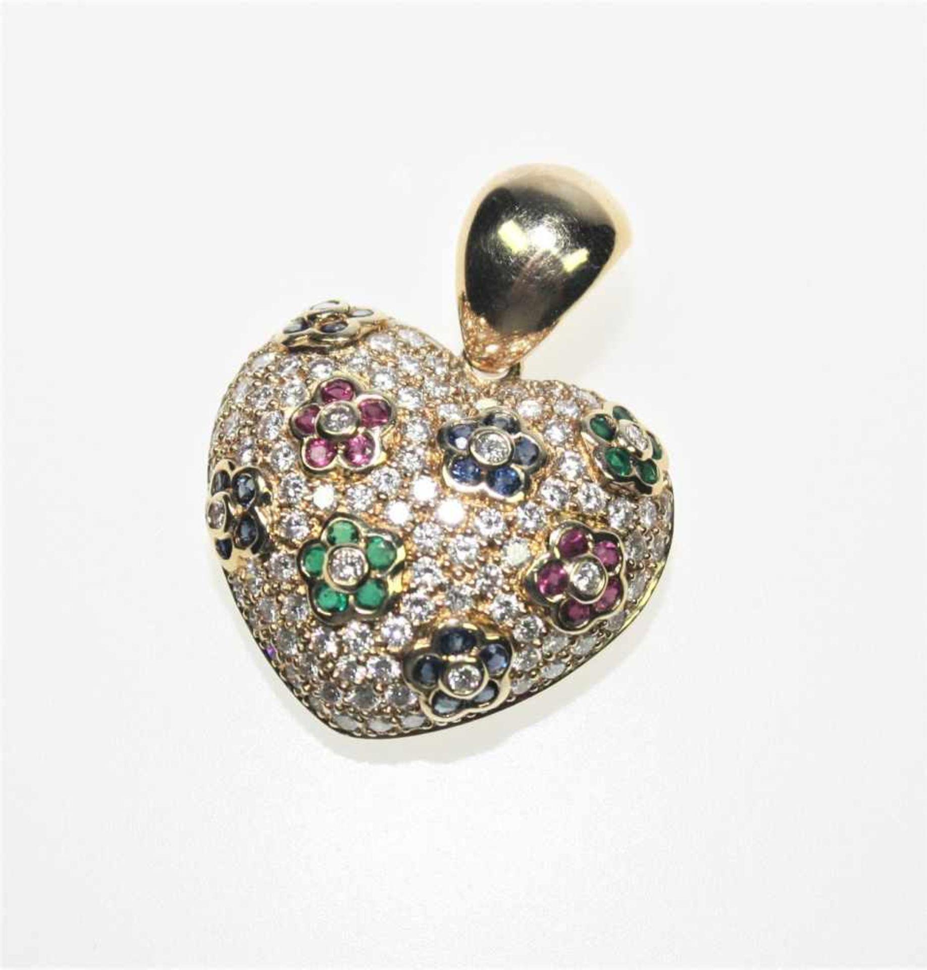 Los 26 - Goldener Herzanhänger 750/f gest. paveé ausgefasst mit kleinen Diamanten in Brillantschliff zus.