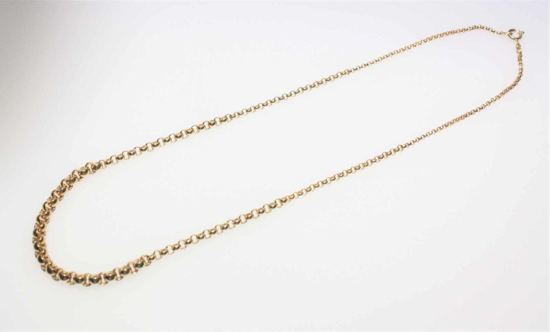 Los 37 - Goldene Kette im Verlauf 585/f gest., Erbsmuster, ca. 45 cm lang.Brgw. 17,0 g