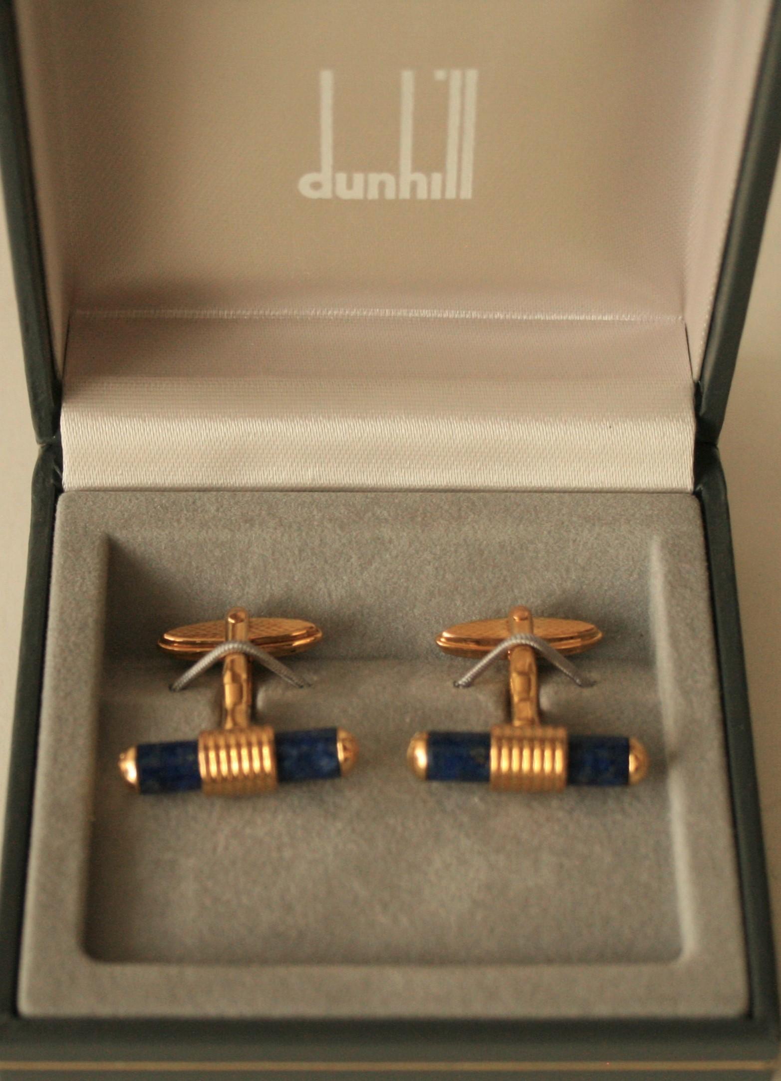 Lot 21 - Boutons de manchettes DUNHILL plaqué or et lapis lazuli, boîte d'origine - DUNHILL [...]