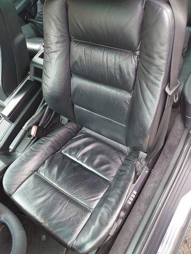 BMW 840 de 1998, cylindrée de 4,4 L, 220.000 kms, 3 propriétaires successifs, [...] - Image 8 of 8