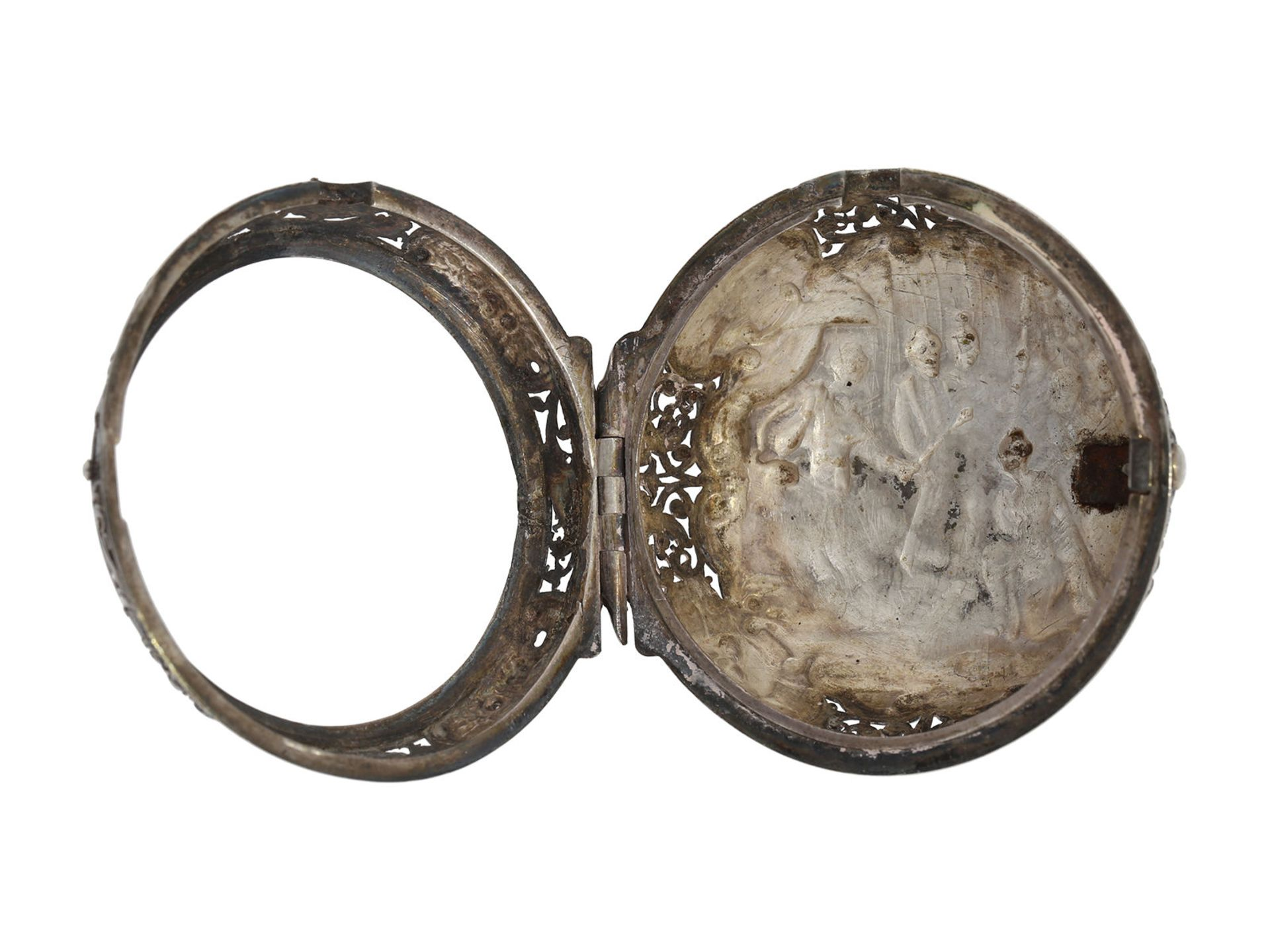Pocket watch: Augsburg pair case repousse verge watch with relief case in exceptional quality and - Bild 13 aus 14