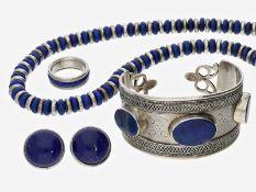 Schmuckset: silbernes vintage Lapislazuli-Schmuckset aus Collier, Armreif, Ohrclips und Ring,