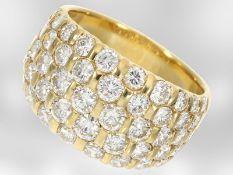 Ring: hochkarätiger Cocktailring mit Brillanten, ca. 2,98ct, 18K Gelbgold