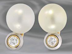 Ohrschmuck: sehr hochwertige Südseezuchtperlen-Ohrclips mit Brillanten, ca. 0,85ct, 18K Gold