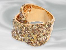 Ring: geschmackvoller und dekorativ gestalteter, moderner italienischer Designer-Goldschmiedering