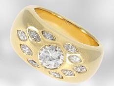 Ring: massiver und schwerer Goldschmiede-Bandring mit Brillant von ca. 1,19ct und Diamant-