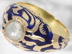 Ring: ausgefallener, emaillierter Goldschmiedering mit Diamantbesatz, vermutlich aus der Zeit des