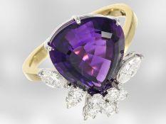 Ring: ausgefallener, neuwertiger Damenring mit feinem Diamantbesatz und großem Amethyst, insgesamt