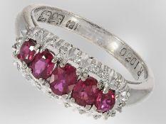 Ring: dekorativer weißgoldener Rubinring mit Diamantbesatz, 18K Weißgold, vintage Goldschmiedearbeit
