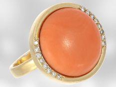 Ring: schöner vintage Goldring mit großer Koralle und Diamanten, 18K Gold, unikate HandarbeitCa.