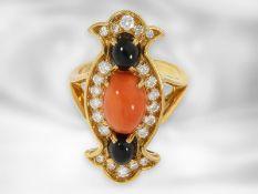 Ring: sehr schöner, ausgefallener Damenring mit Brillanten, Onyx und Koralle, 18K Gold, teure
