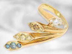 Ring: ausgefallener und interessant gearbeiteter vintage Designer-Ring mit weißen und farbigen