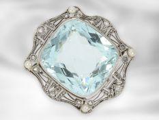 Collier: antikes Platin-Colliermittelteil mit großem Aquamarin, Saatperlen und Diamanten, um 1910Ca.