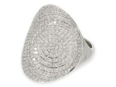 Ring: dekorativer weißgoldener Pavéring mit Brillanten, 18K Gold, ca.1.5ct