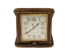 Reiseuhr: vintage 8-Tage-Uhr mit Alarm, 30er-Jahre, Lederetui