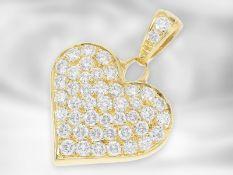 Anhänger: dekorativer Brilllant-Herzanhänger, insgesamt ca. 1,9ct Brillanten feinster Qualität, 18K
