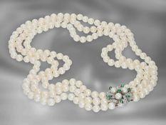 Kette/Collier: 3-reihiges Akoya-Zuchtperlcollier mit Smaragd-/Diamantschließe im Vintage-Look, 14K