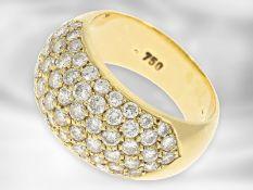 Ring: sehr schöner goldener Pavéring mit Brillantbesatz von insgesamt 2,48ct, 18K Gelbgold Ca.