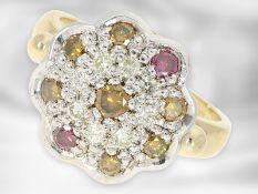 Ring: moderner, hochwertiger und dekorativ gefertigter Fancy Brillant-Cocktail-Goldschmiedering,
