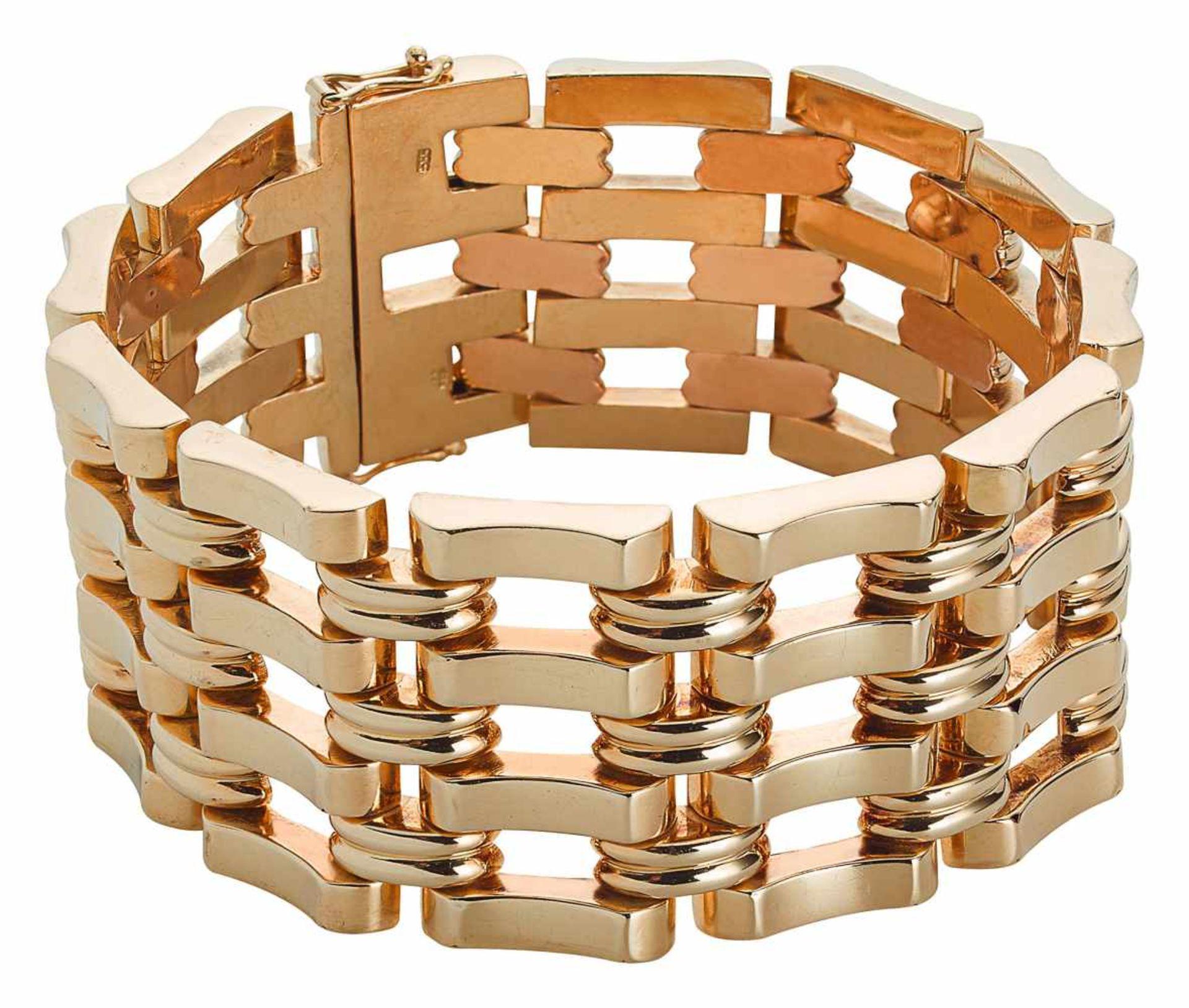Breites Goldarmband im Retro Stil