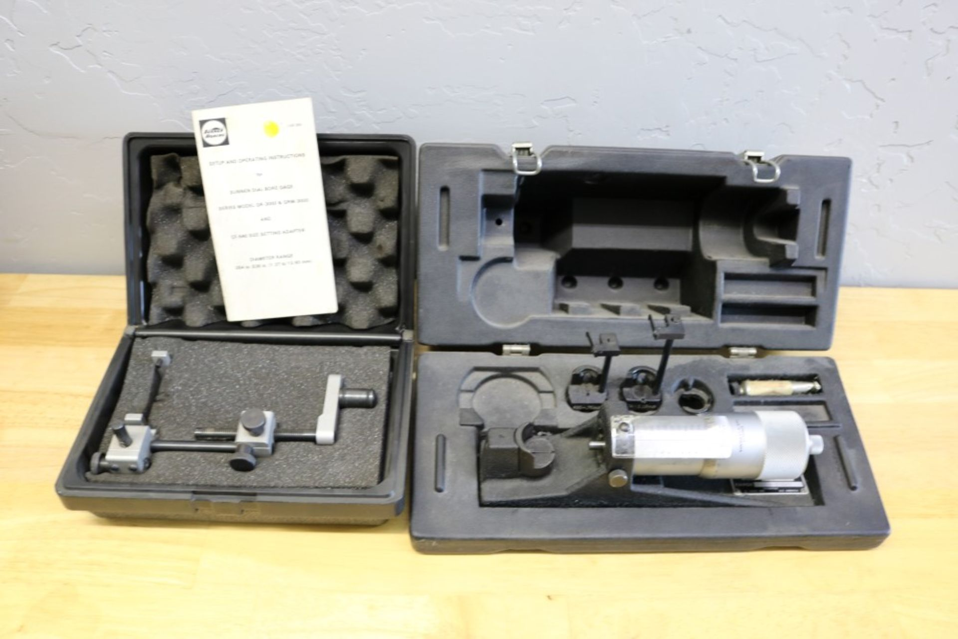 "Lot 43 - Starrett Sunnen Gage Setting Fixture Model CF-502 (0-2""), with Sunnen CF-540 Setting Adapter used"