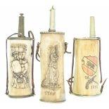 Konvolut von drei Pulverflaschen aus Knochen