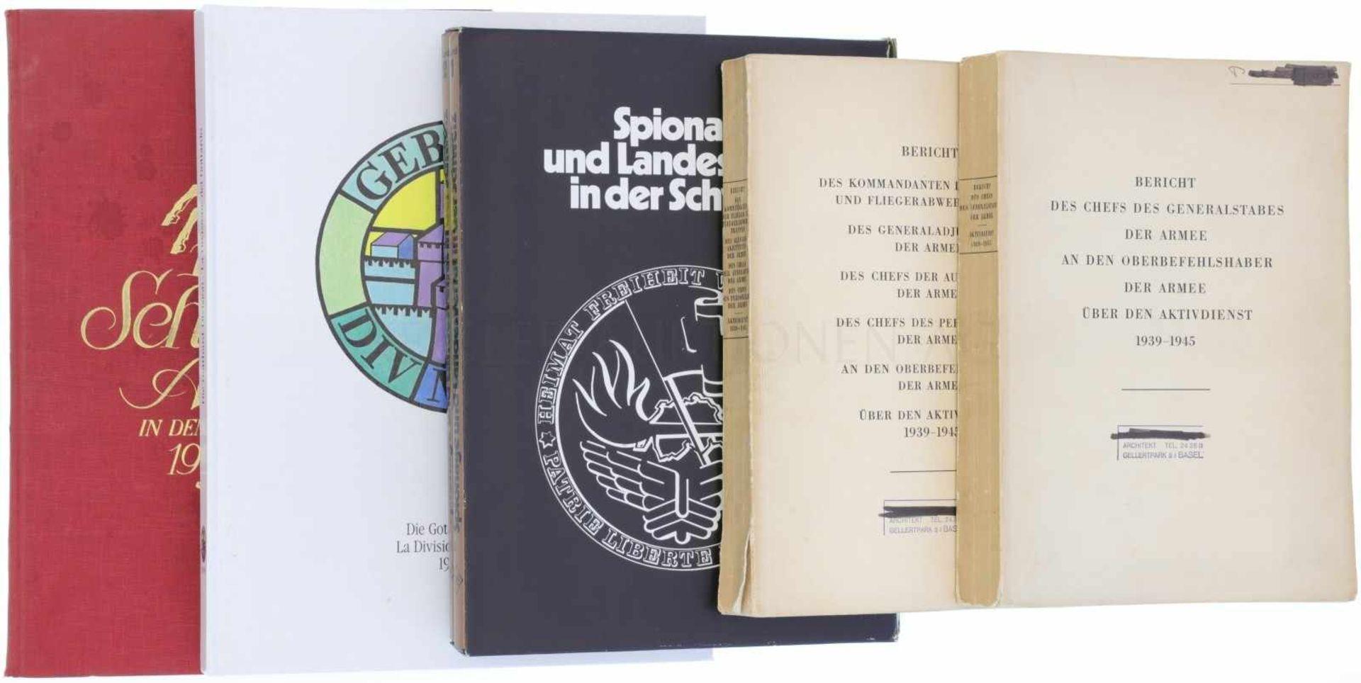 Konvolut von 6 Bücher zur Schweizer Armee<