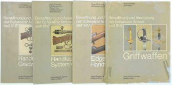 Konvolut von 4 Bücher, Bewaffnung und Ausrüstung der Schweizer Armee seit 1817<b