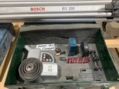 Green Cased Bosch BL100 VHR Laser with BS200 Tripod in working order but no battery charger