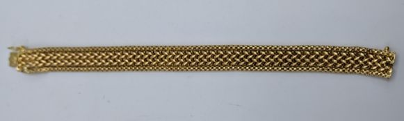 A South American 18ct yellow gold bracelet, marked to clasp, 35g, L.20cm