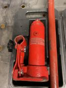 Hilka 2 Ton Hydraulic Bottle Jack