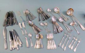 Silberbesteck für zehn PersonenSilber 800, einzeln mit Feingehalt, Halbmond und Krone sowie