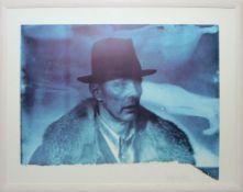 Joseph Beuys, Selbstbildnis mit Mantel und Hut, signierte Farboffsetlithographie von 1985