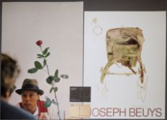 Kleines Konvolut Joseph Beuys, 2 signierte Farbgraphiken & 2 Multiple Holz und Filz, o. RahmenJoseph