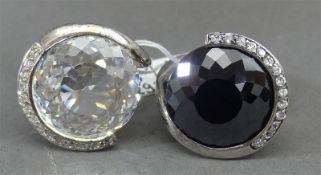 Paar Ringe 925er Silber, moderne Form, Steinbesatz, ca 26g, RM 57 und 60,