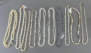 Konvolut 10 Perlenketten, verschieden, 7x Silberschlösser, Biwa- und Zuchtperlen, l 40 - 80 cm,