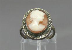 Damenring Silber, Camee Frauenkopf, Markasitbesatz, ca 4g, RM 52,