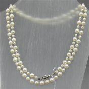 Halskette 8 kt. Gelbgoldschloss, 117 Perlen, verschiedene Größen, l ca 88 cm,