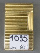 Feuerzeug St. Dupont, Paris, vergoldet, Streifendekor, h 6 cm,