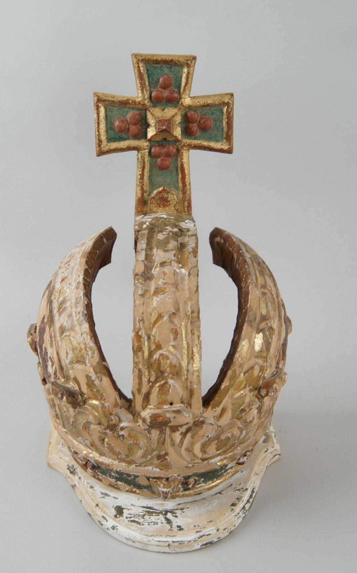 Prunkvolle Krone, Holz geschnitzt und gefasst/vergoldet, Fassung altersbedingt beschädigt,18. JH, - Bild 2 aus 6
